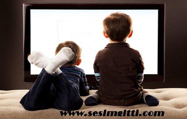televizyonun çocuklara zararları, çocuklar üzerinde televizyonun etkileri, televizyonun çocuklara etkisi