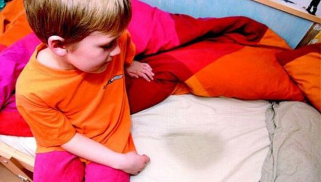 çocuklarda idrar kaçırma, çocuklar neden altına kaçırır, çocuklarda alt ıslatma